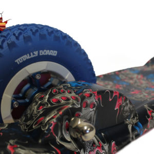 Totally Board 2wheel Blue flaming dice with blue wheels
